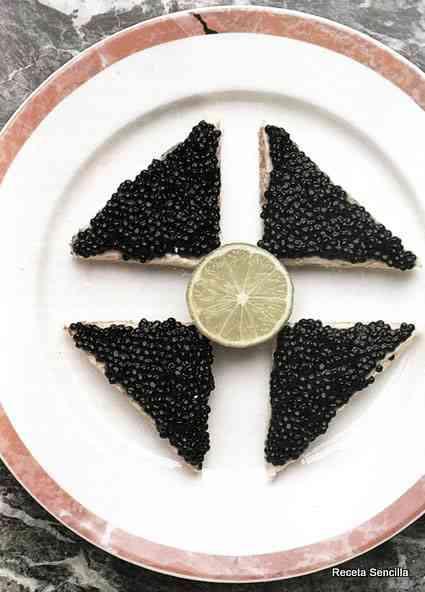 Tostadas de caviar